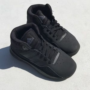 adidas Cloudfoam Ilation Mid K sneakers size 13.5